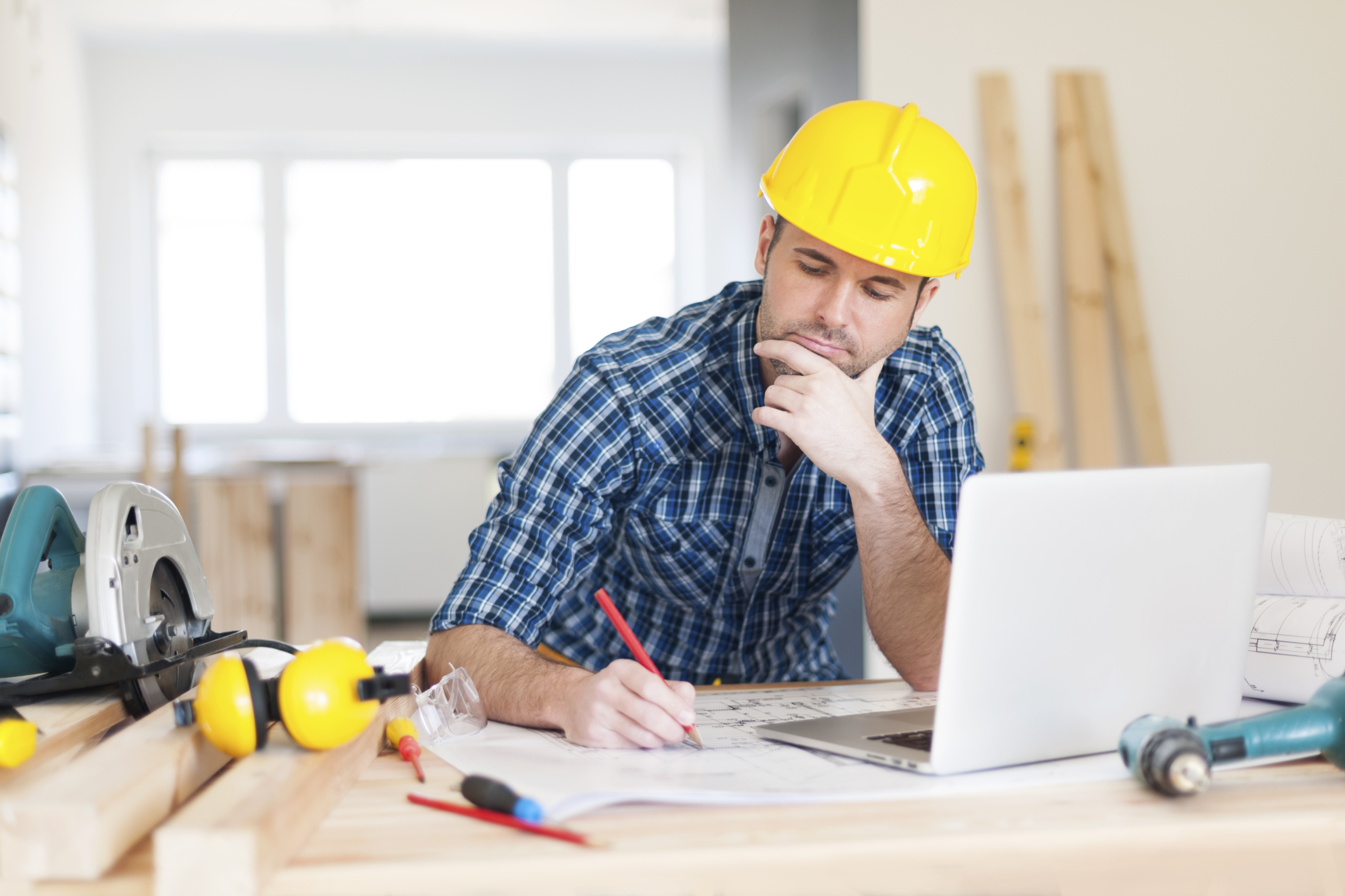 Contractor license requirements for House construction contractors